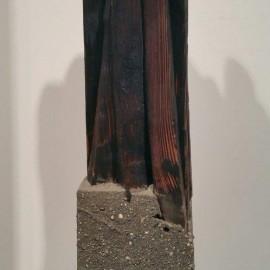 François CALVAT -  Sculpture série des Mémoires - Hauteur 40 cm - Bois brulé et béton